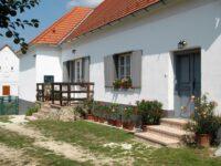 Bruderhaus Szállás Vöröstó - Szallas.hu
