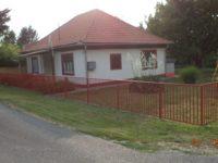 Cseresznyés Nyaralóház Balatonszárszó - Szallas.hu