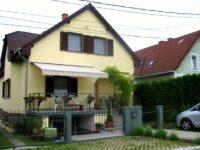 FaDóra Apartmanház Tihany - Szallas.hu