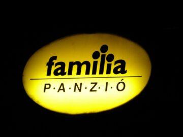 Família Panzió Pannonhalma - Szallas.hu