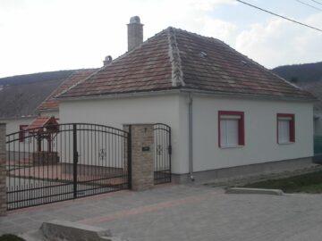 Haász Apartman Bakonybél - Szallas.hu