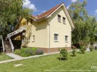 Kenese Gyöngye Apartmanház Balatonkenese - Szallas.hu
