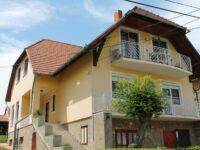 Lenke Apartmanház Balatonlelle - Szallas.hu