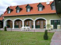 Lovász Apartmanház Tapolca - Szallas.hu