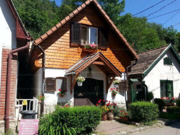 Műterem Apartmanház Zebegény - Szallas.hu