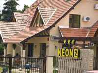 Neon 2 Panzió Orosháza - Szallas.hu