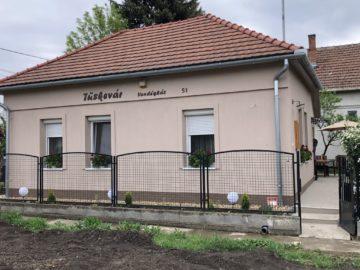 Tüskevár Vendégház 51 Abádszalók - Szallas.hu