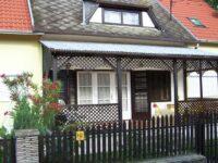 Vörös Apartman Balatonfenyves - Szallas.hu